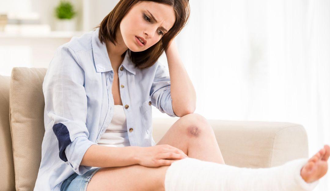 ZLOMENINA: Pekelná smůla? Jak z ní homeopaticky ven
